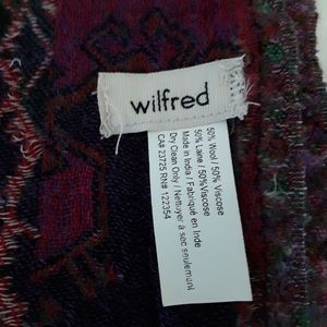 Wilfred large scarf with fringe fron Aritzia